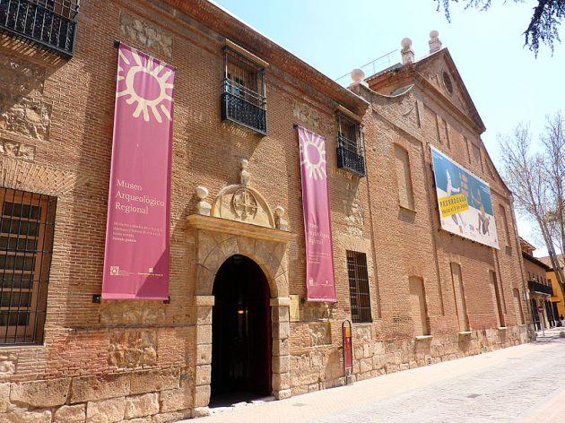 800px-Museo_Arqueológico_Regional_CAM