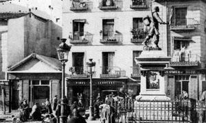 Estatua de Eloy Gonzalo Rastro