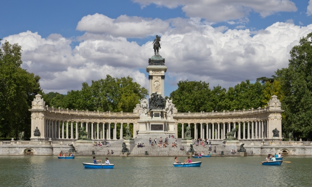 Monumento_a_Alfonso_XII_de_España_en_los_Jardines_del_Retiro_-_04