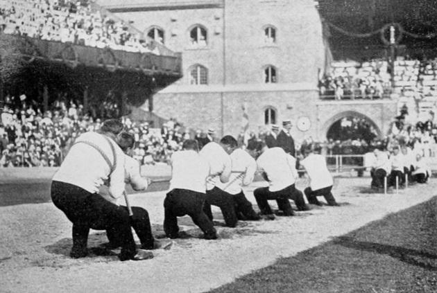 1912_summer_olympics_tug_of_war