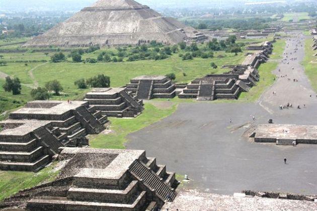 azteca-piramides