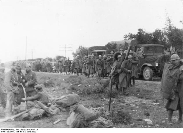 Soldados italianos del CTV durante la batalla de Guadalajara